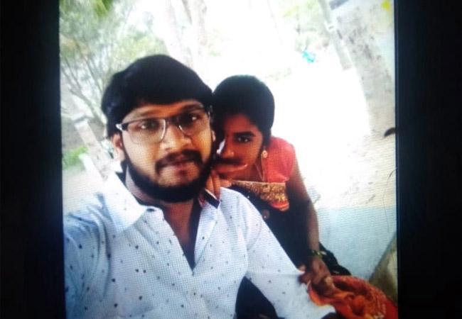 Young Man Loved and Cheated Woman Kotananduru East Godavari - Sakshi