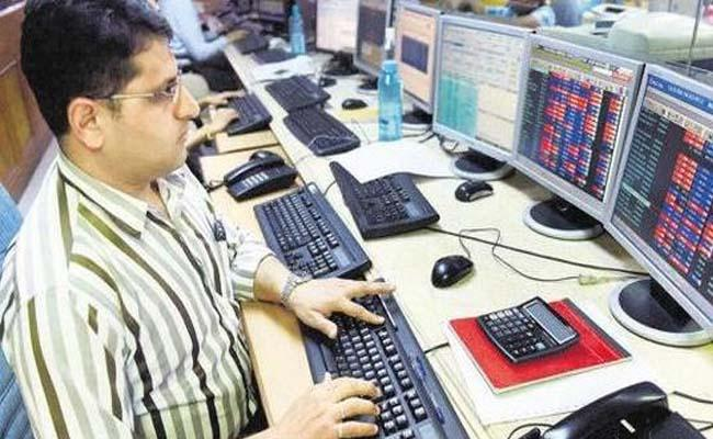 stock markets fall above 600 points - Sakshi