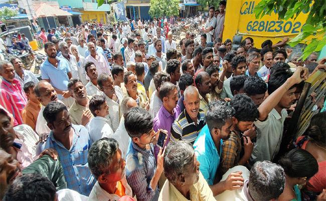 Government Seeks Higher Allotment Of Urea For Rabi In Telanagana - Sakshi