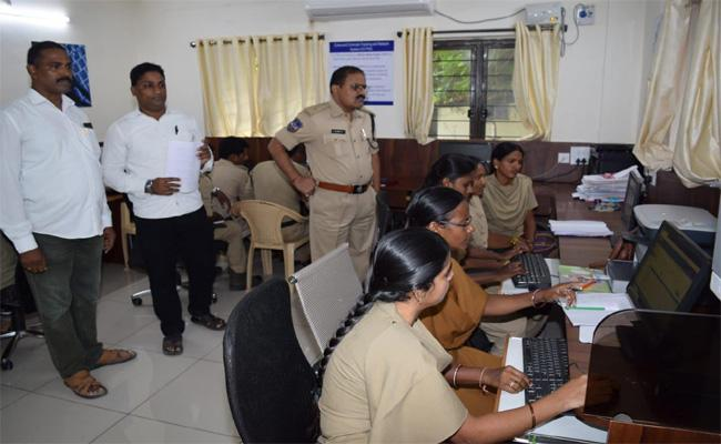 Establishment of Women Receptionist at Nizamabad District Police Stations - Sakshi