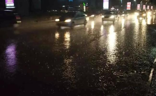 Heavy Rain Hits Hyderabad - Sakshi