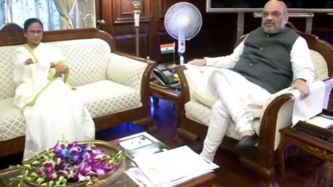 Bengal CM Mamata Banerjee meets Amit Shah - Sakshi
