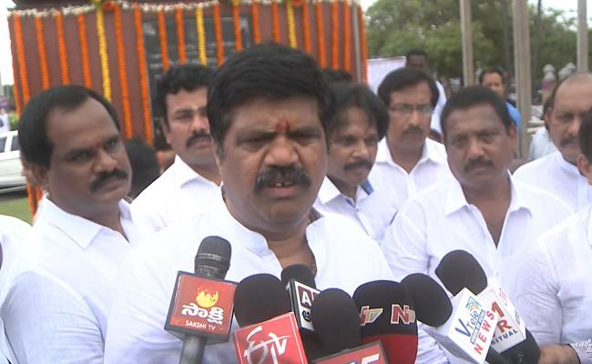 Minister Avanthi Srinivas Slams TDP Leader Ganta Srinivasa Rao - Sakshi