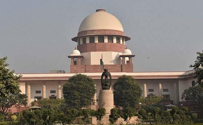 SC orders SIT probe into Chinmayanand sexual harassment case  - Sakshi