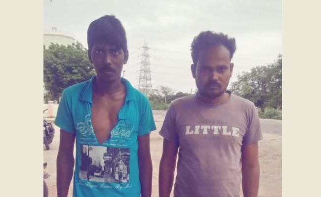 TDP Leaders Attack On YSRCP Leaders In Anantapur - Sakshi