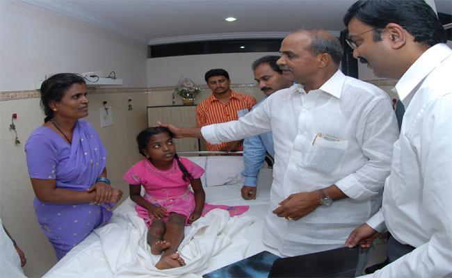 YS Rajasekhara Reddy Death Anniversary Special Story - Sakshi