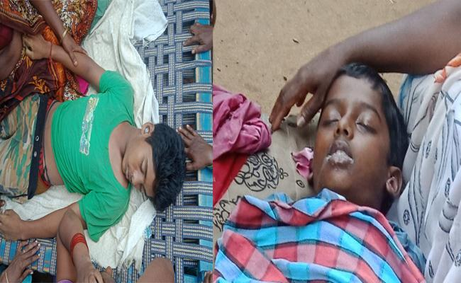 2 People Died With drowned In Lake In East Godavari - Sakshi
