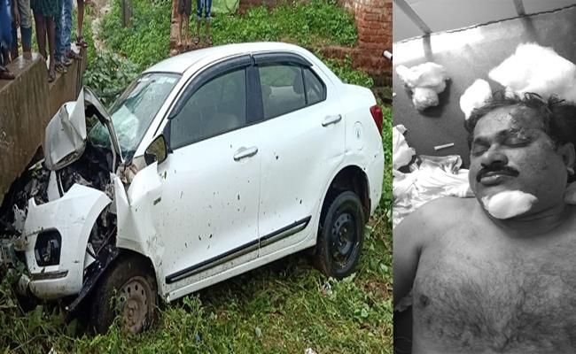 Markapuram Temple EO Died In Road Accident At Kanigiri In Prakasam - Sakshi