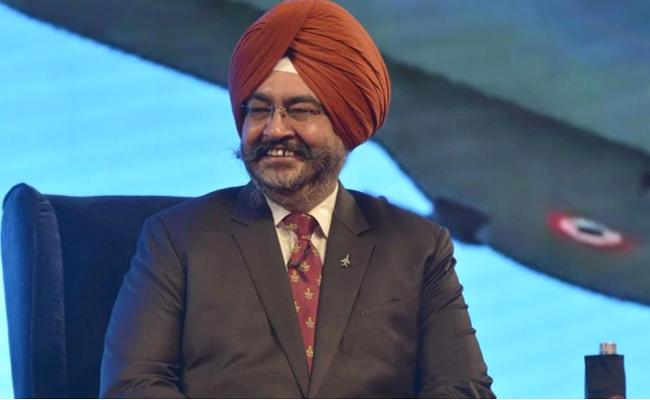 IAF Chief BS Dhanoa Says Flying The Rafale Made Him Happy - Sakshi