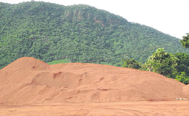 Bauxite Mining Lease Cancelled In Visakhapatnam District - Sakshi