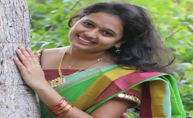 Body Of Missing Ramya In Godavari Boat Tragedy Is yet Found - Sakshi