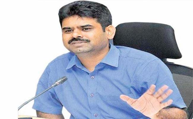 GHMC Commissioner Said 2400 Dengue Cases Filed in Telangana  - Sakshi
