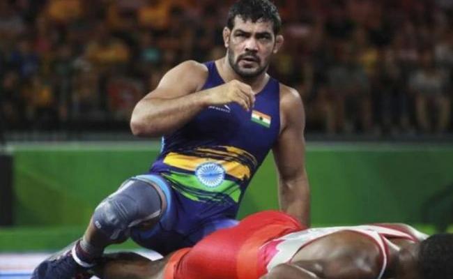 Sushil Kumar Loses Opening Bout Against Gadzhiyev - Sakshi