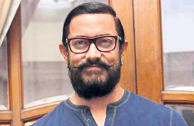 Aamir Khan to shoot Lal Singh Chadha in 100 real locations - Sakshi