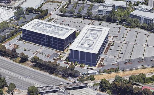 Facebook employee  suicide  Menlo Park headquarters - Sakshi