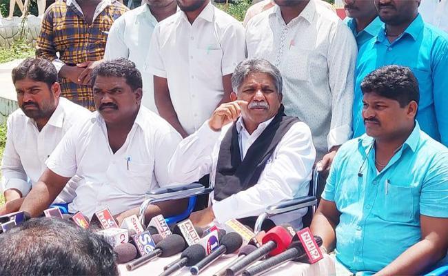 Manda Krishna Madiga Fires on CM KCR - Sakshi