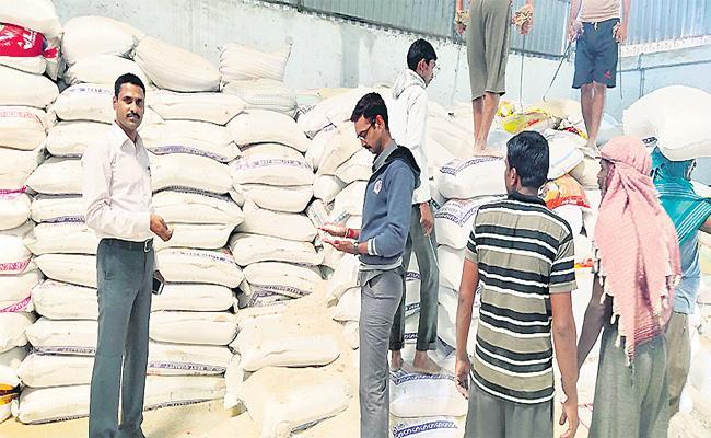 One Thousand Quintals Of PDS Rice Seized At Parigi - Sakshi