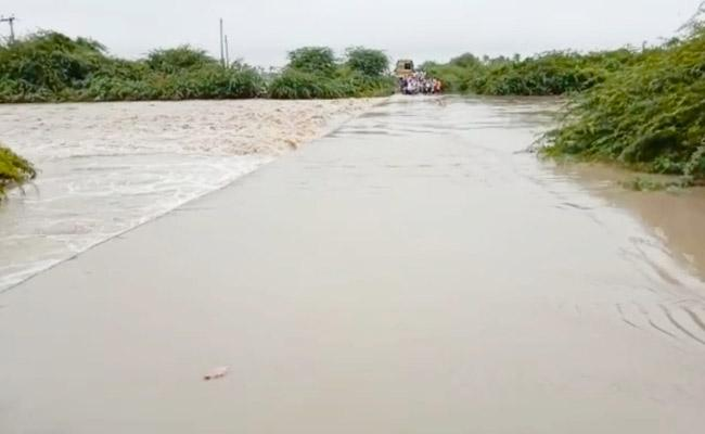 Heavy Rains In Across Anantapur District - Sakshi