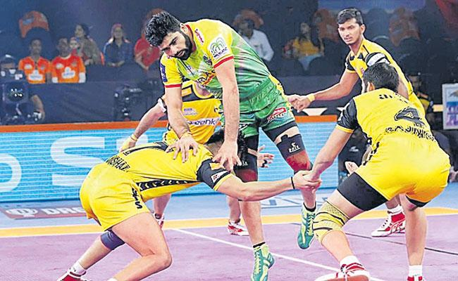 Telugu Titans And Patna Pirates in thrilling Tie  - Sakshi