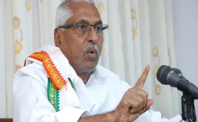 Jeevan Reddy Slams On TRS Government In Jagtial - Sakshi