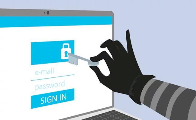 Cyber Criminals Arrest in Aasara Pension Scheme Hyderabad - Sakshi