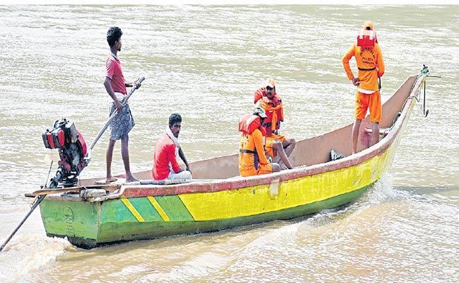 Godavari Boat Accident Disturbance For Operation Royal Vashishta Punnami - Sakshi