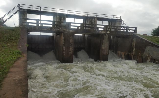 Huge Flood to Singitham Reservoir - Sakshi