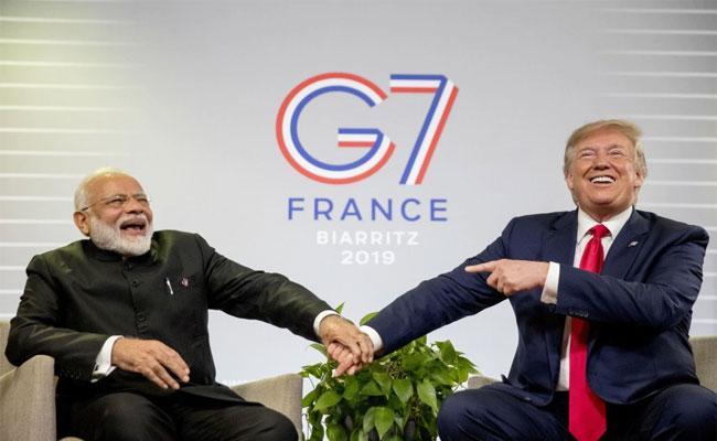 Donald Trump Rallies With PM Modi In New 2020 Battleground - Sakshi