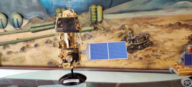Hope of Contacting Chandrayaan-2 Vikram Lander Fades - Sakshi