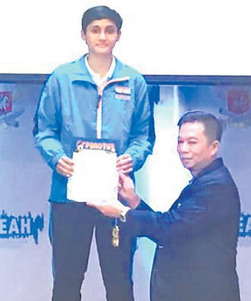 Meghana Wins Dobles Gold Medal In Badminton Championship - Sakshi