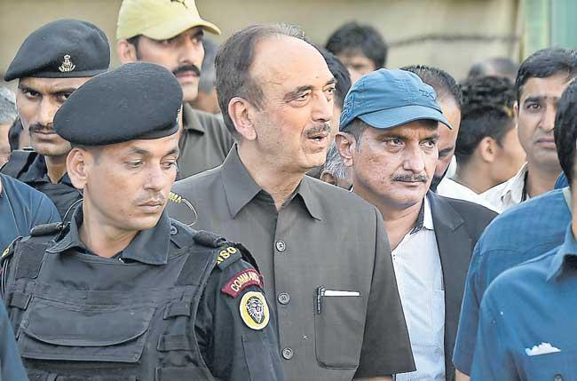 Ghulam Nabi Azad to visit Srinagar - Sakshi