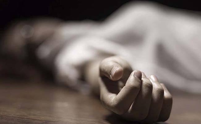 Unidentified Woman Suicide At Tirumala Supadam - Sakshi