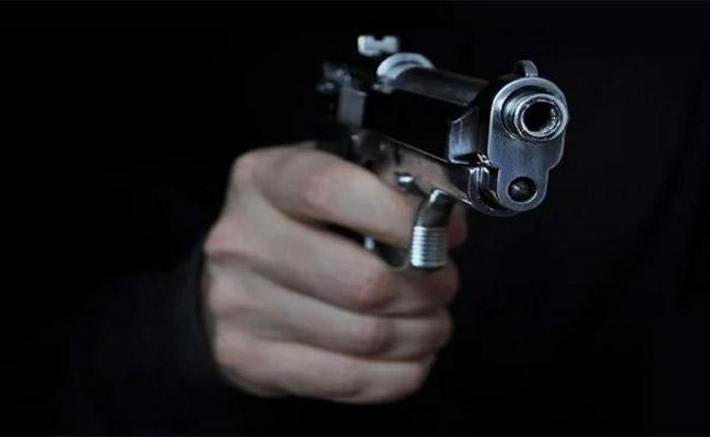 Policeman Opens Fire At Dhaba Owner For Refusing Food In Ghaziabad - Sakshi