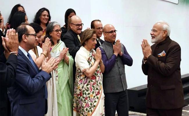 Kashmiri Pandit Who Met PM Modi In Houston - Sakshi