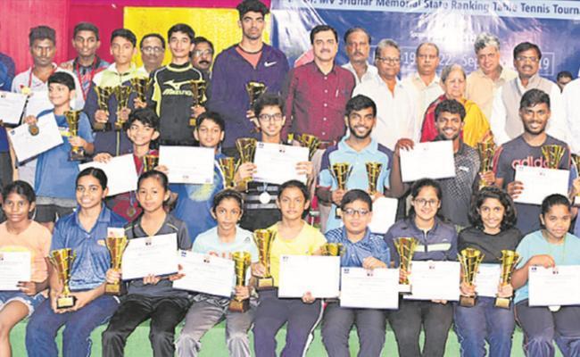 Siril And Varuni Jaiswal Clinches Table Tennis Titles - Sakshi