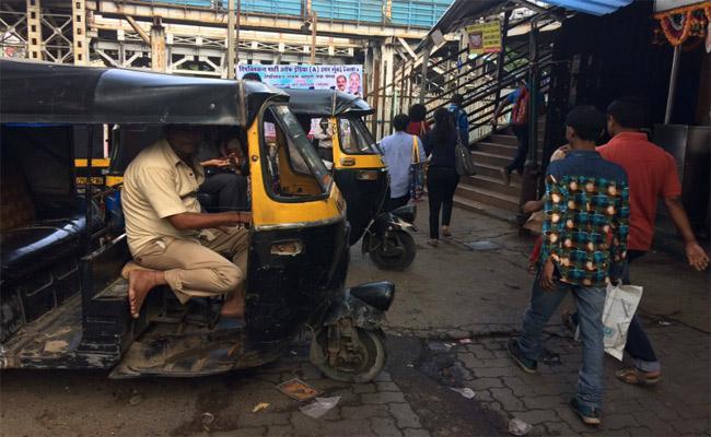 Bengaluru Engineer Pays Rs 4300 To Pune Autowallah For 15km Ride - Sakshi