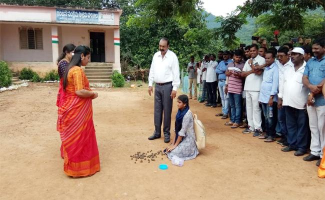 Pushpa Srivani Acting A Teacher Role In Amruthabhumi Movie - Sakshi