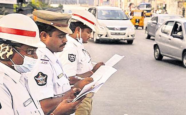 Piravies in Hyderabad Traffic Police - Sakshi