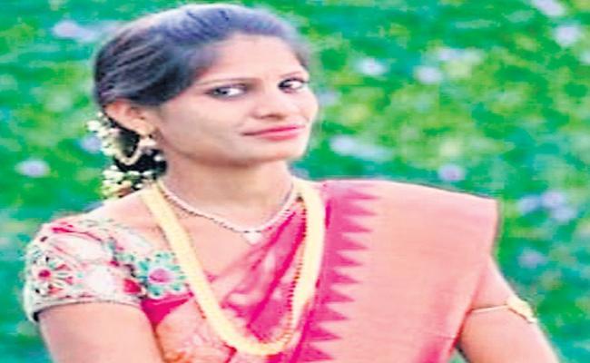 Women Dead In Road Accident In Rangareddy - Sakshi