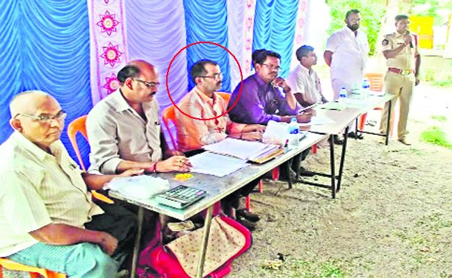 Endowments clerk Forgery to trust Chairman Signature - Sakshi