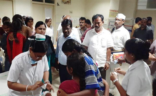 Food Poison In Guntur Womens College Students - Sakshi