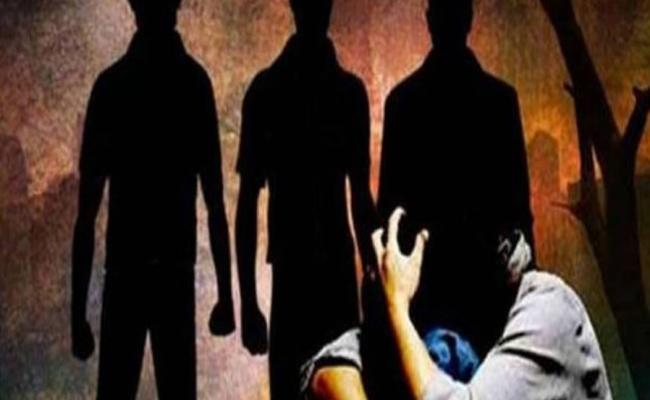 Gang Kidnapped And Molested On Minor Girl In Chittoor - Sakshi