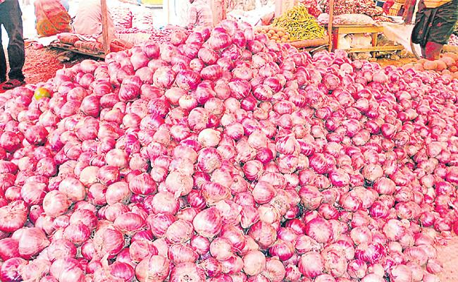 Onion Prices Rises in Telugu States - Sakshi