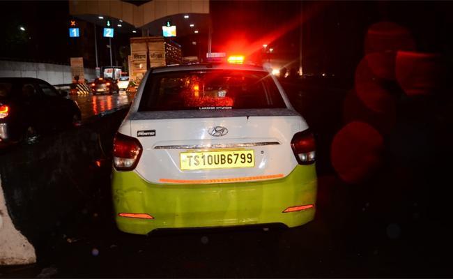 Death due to Cab Driver Negligence Near Shamshabad Airport - Sakshi
