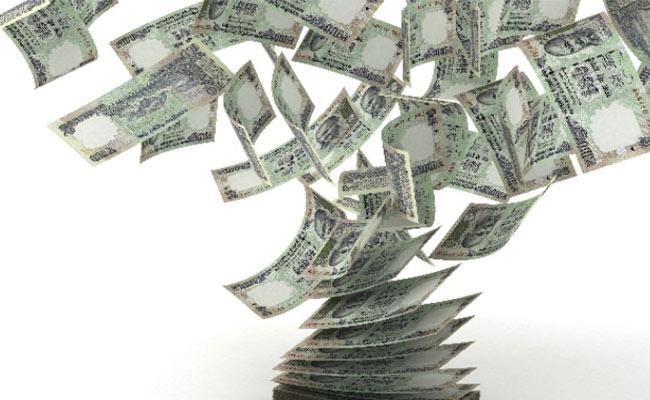 Twenty Five Richest Indians Have Ten Percent Countries GDP - Sakshi