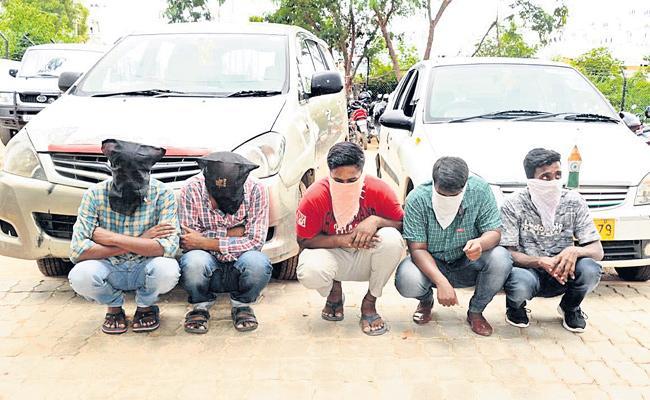Highway Thieves Arrest in Hyderabad - Sakshi