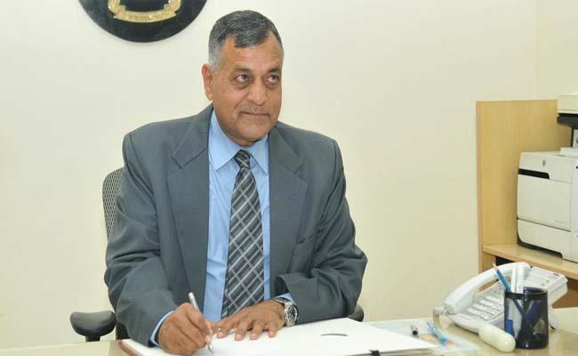 IT Dept sends notice to Election Commissioner Ashok Lavasa wife - Sakshi