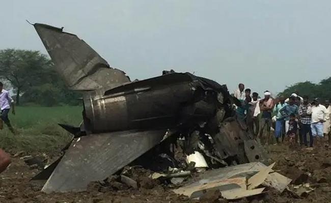 Mig 21 Trainer Aircraft Crashes Madhya Pradesh - Sakshi
