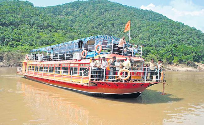 Boat Accidents with new boats itself majorly - Sakshi