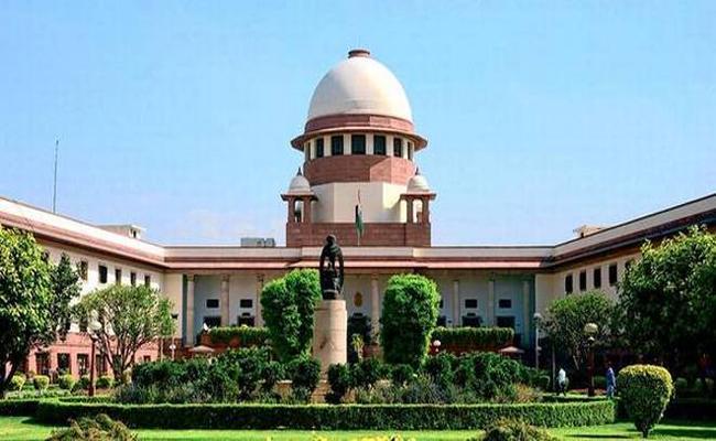 Supreme Court remarks on Aadhaar linkup case with social media - Sakshi